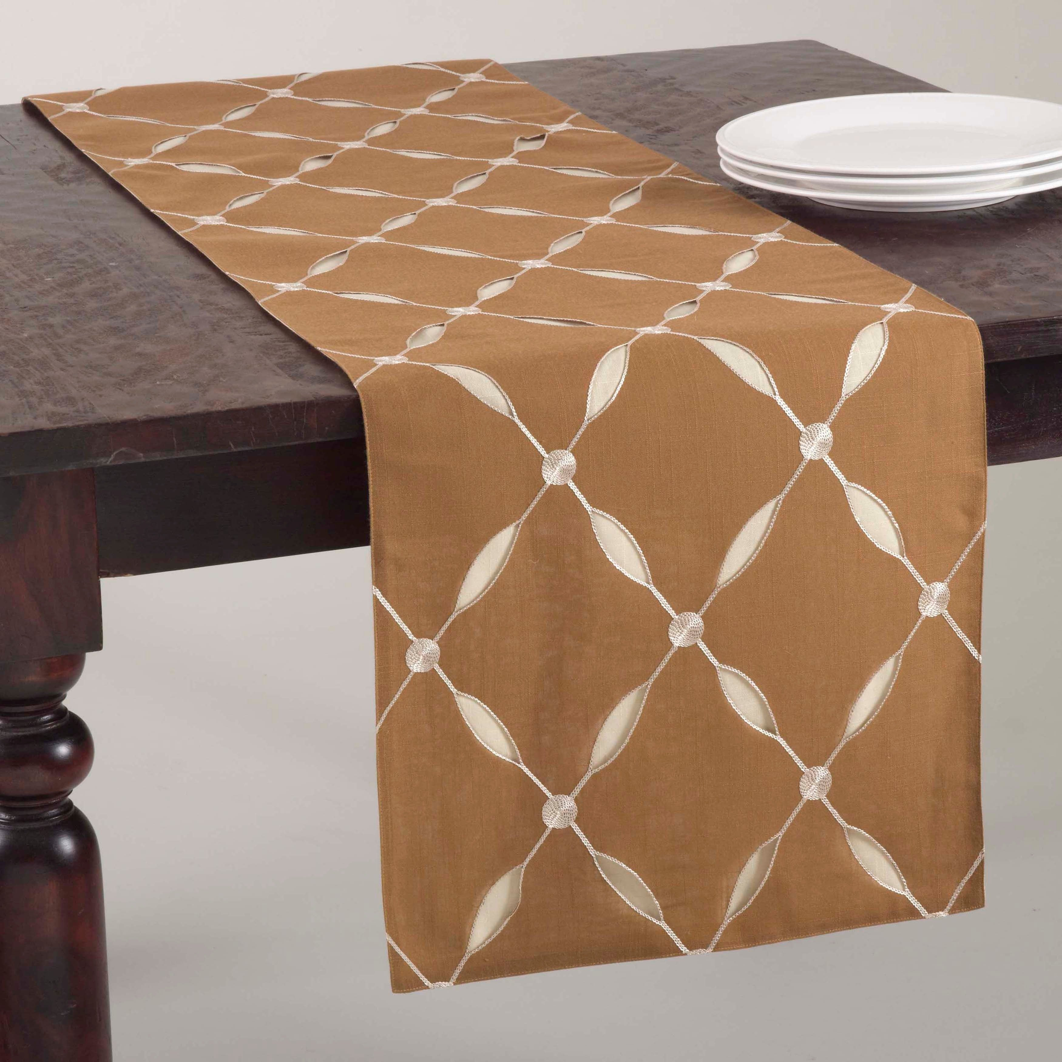 Ordinaire Shop Embroidered Design Table Runner Or Set Of 4 Placemats   On Sale   Free  Shipping On Orders Over $45   Overstock.com   9414849