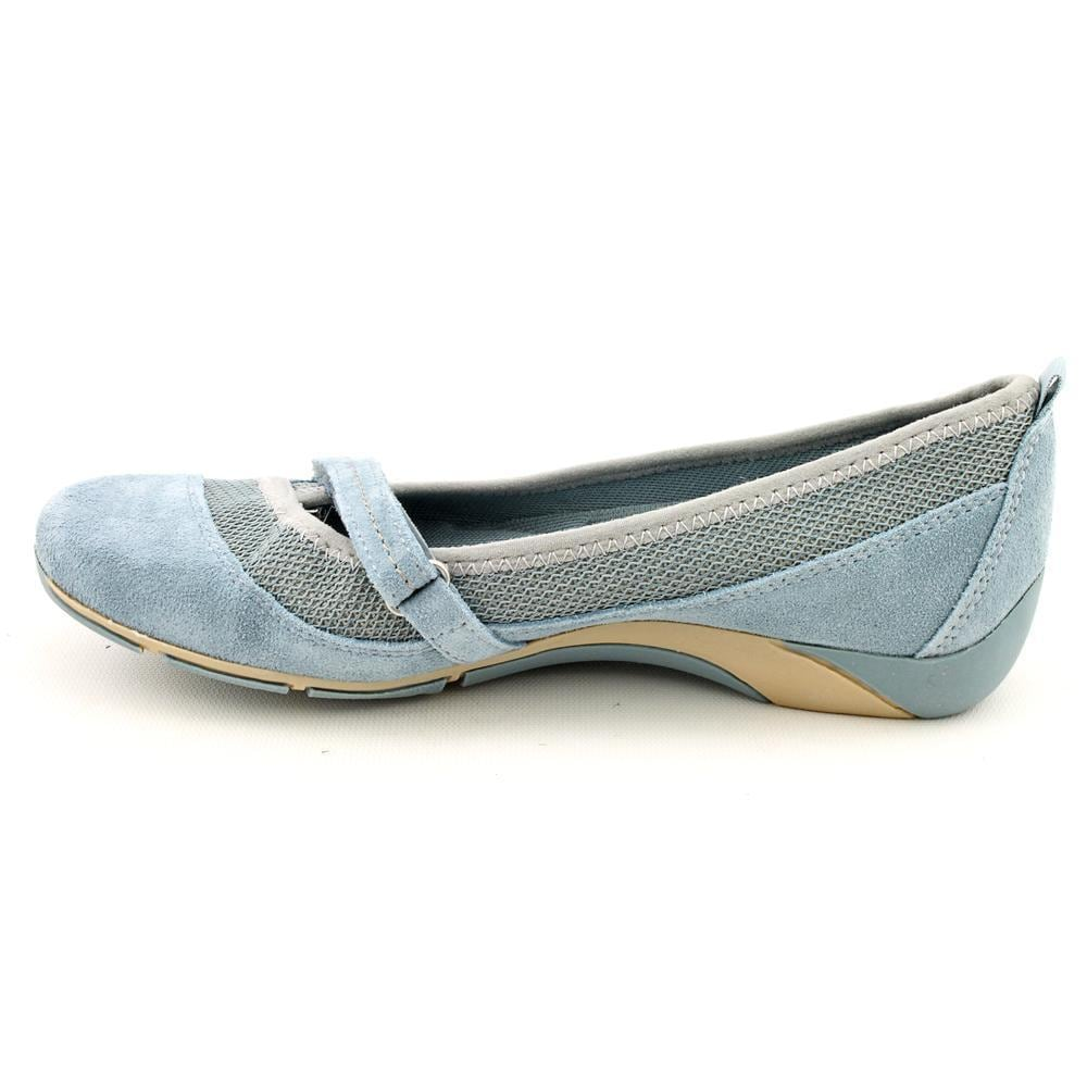982c65c4d7ad Shop Naturalizer Women s  Yesenia  Regular Suede Casual Shoes - Free  Shipping Today - Overstock.com - 9591972