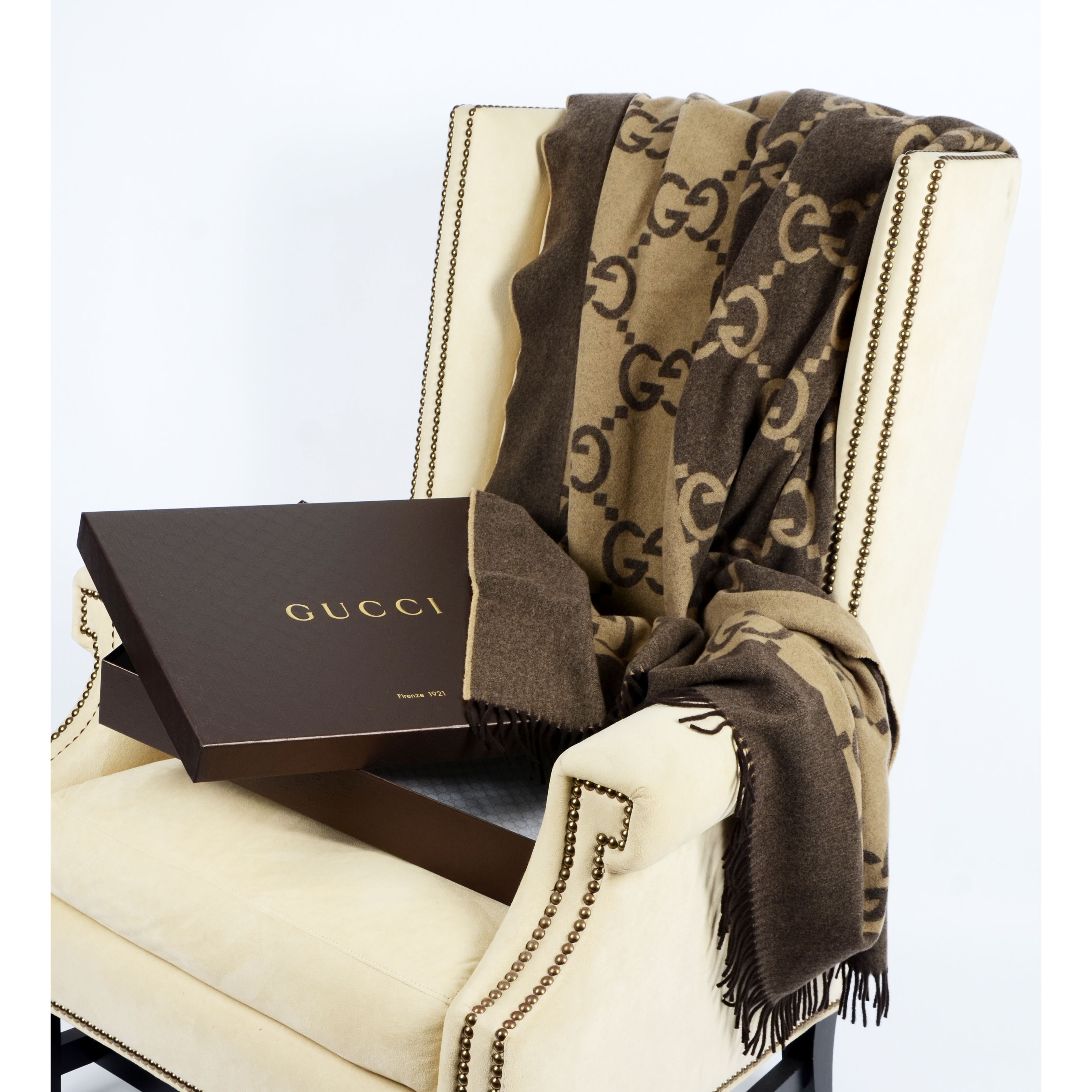262d39c6d2f Shop Gucci Luxury Throw Blanket - Free Shipping Today - Overstock - 9793440