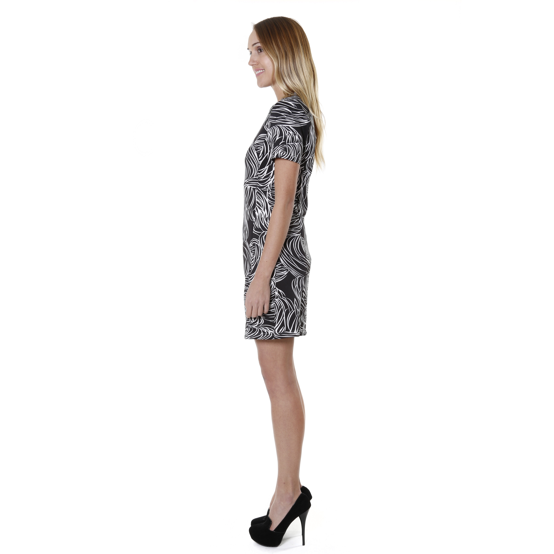 f8a904b4c8d4 Shop Hadari Women's Short Sleeve V-neck Swirl Print Shift Dress - Free  Shipping On Orders Over $45 - Overstock - 9815388