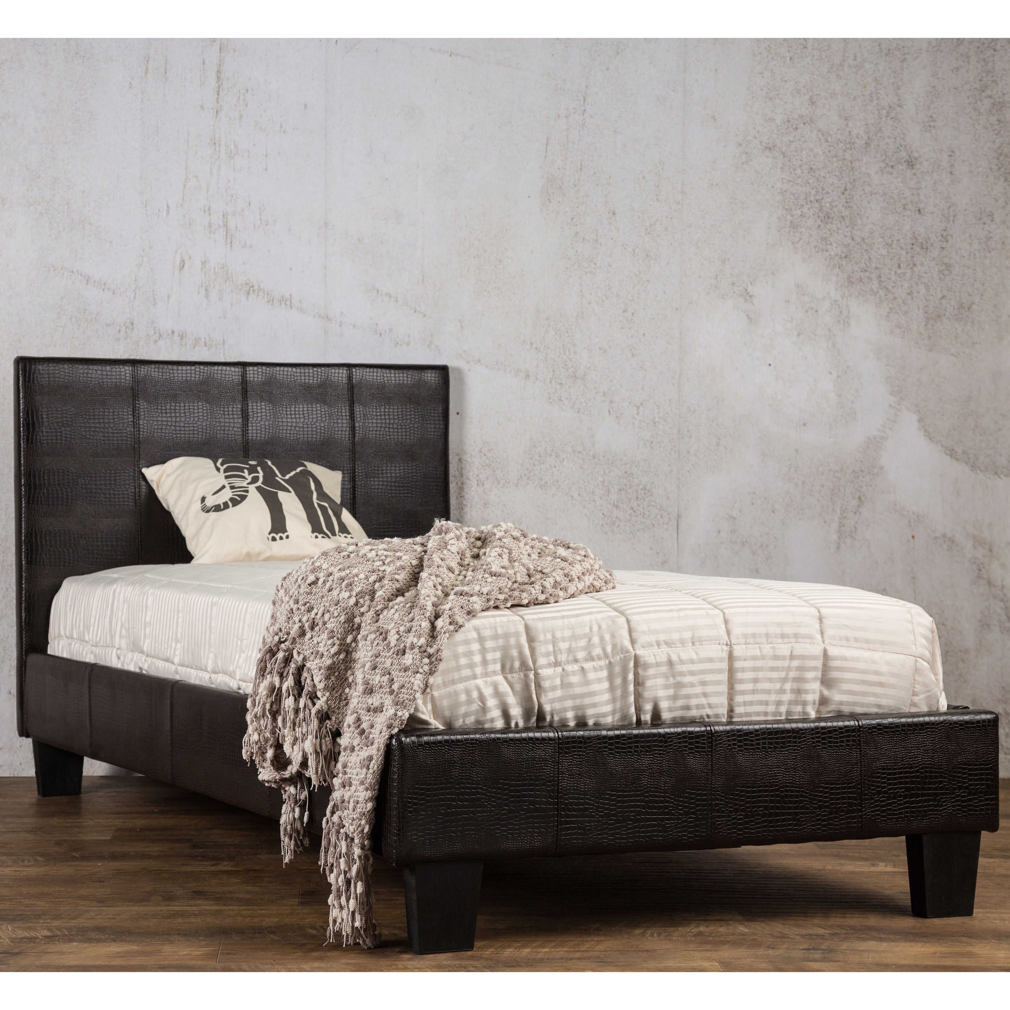 Furniture Of America Huntress III Brown Crocodile Leatherette Platform Bed    Free Shipping Today   Overstock   17130841