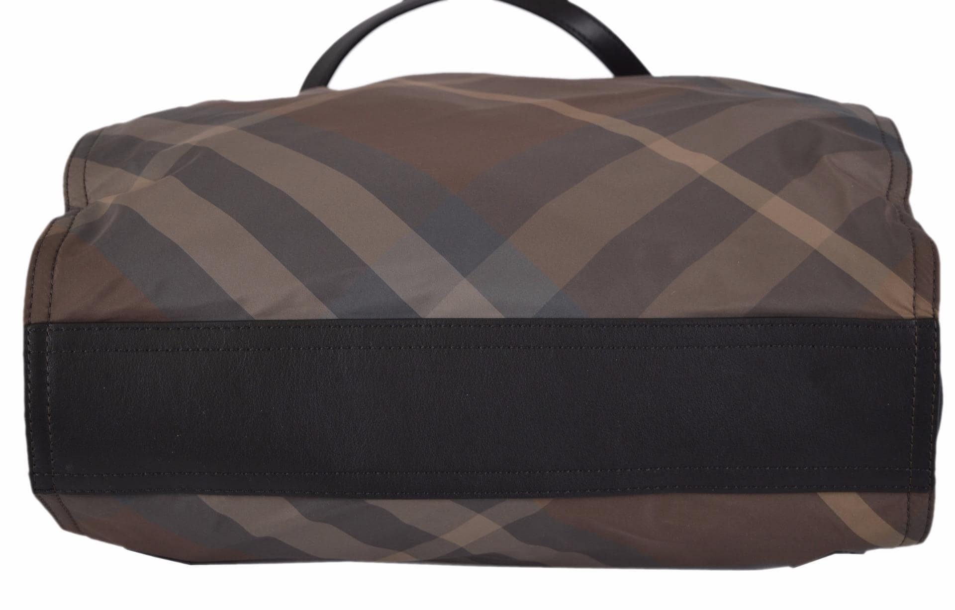 Shop Burberry Birch Grey Nylon Nova Check Packable Purse Bag Tote Shopper -  Brown Beige Check Camel Trim - On Sale - Free Shipping Today - Overstock -  ... 90788ca4db698