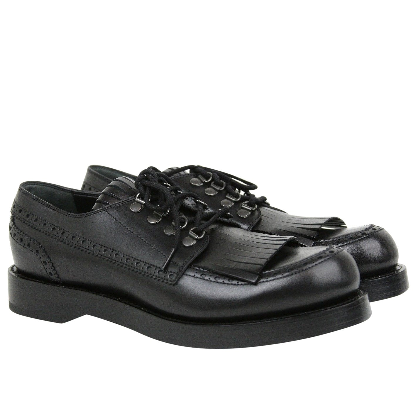 221028ce9 Shop Gucci Lace-up Black Leather Fringed Brogue Shoes 358271 1000 ...