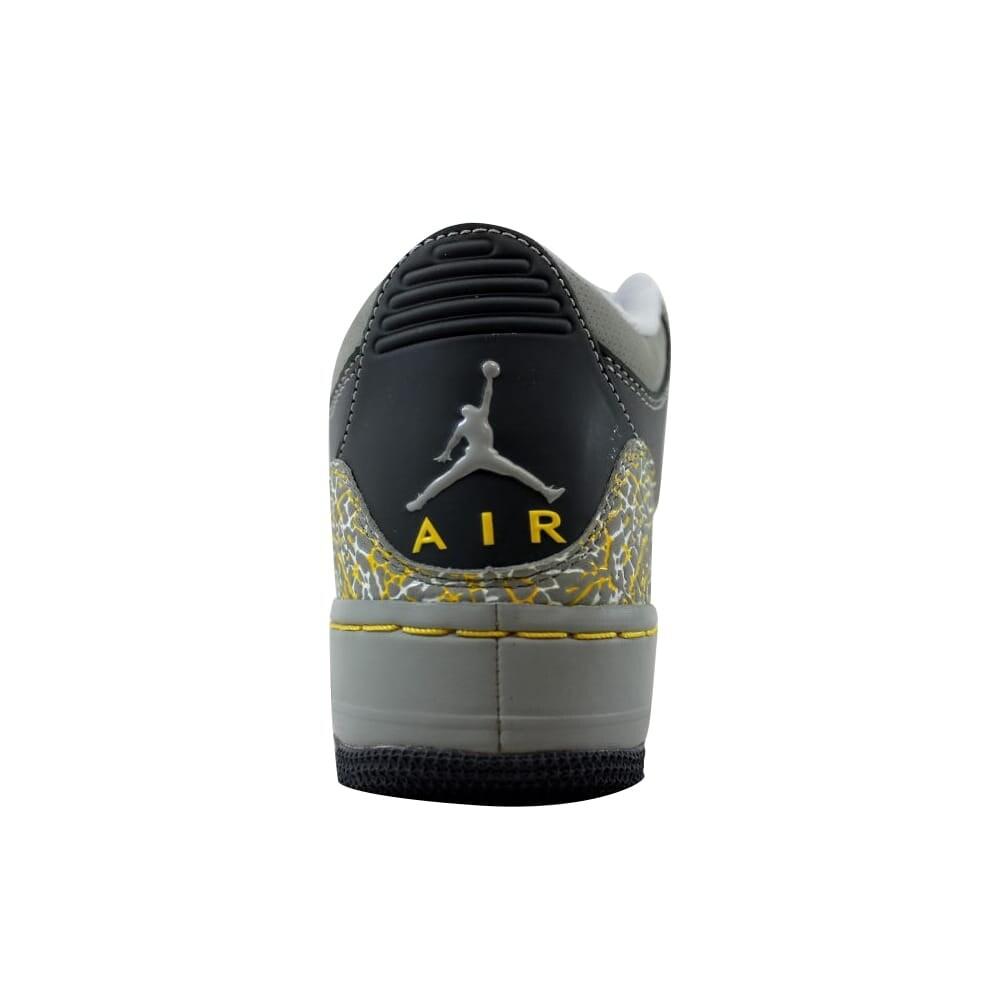 b2e4c134537a Shop Nike AJF 3 Air Jordan Fusion Flint Grey Varsity Maize-Silver  Grade-School 323947-071 Size 4.5 Medium - On Sale - Free Shipping Today -  Overstock - ...