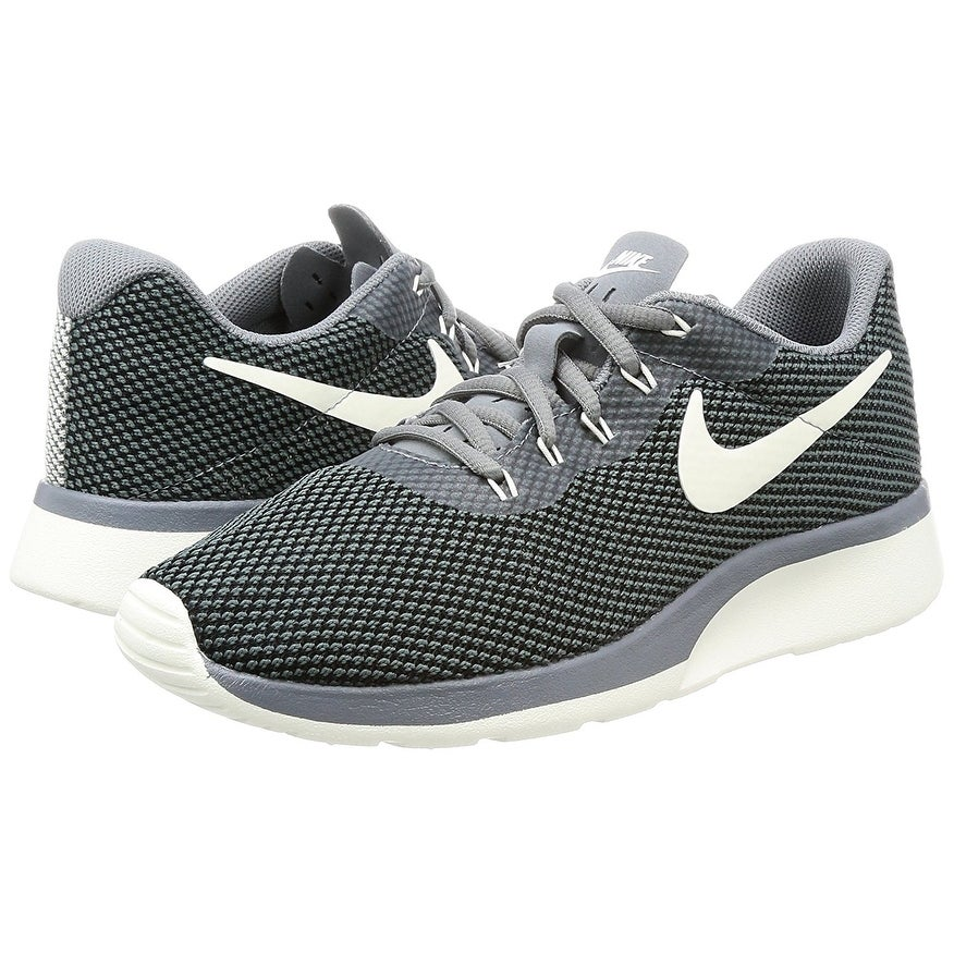 black nike tanjun trainers womens