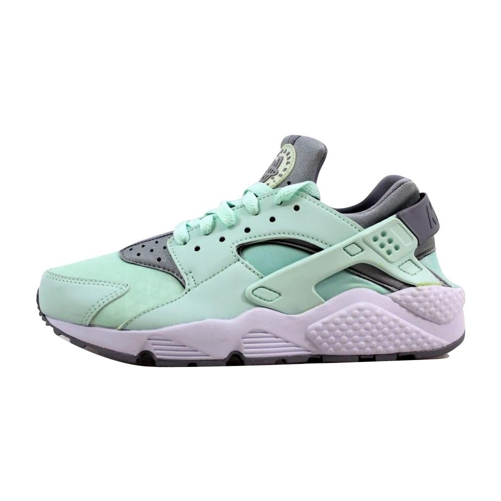 0e06cb45a3072 Shop Nike Women s Air Huarache Run Igloo Wolf Grey-White634835-303 - Free  Shipping Today - Overstock.com - 21893256