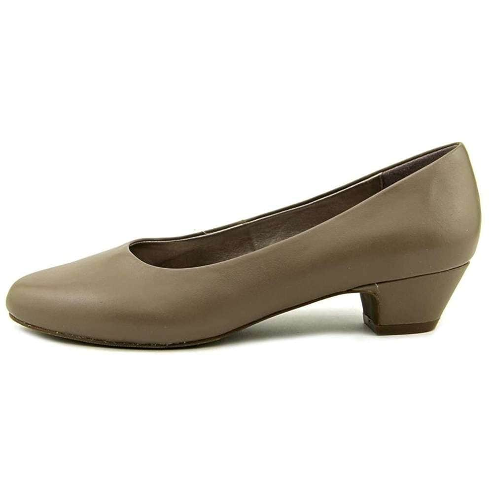da910e7936b77 Shop ARRAY Womens Lily Leather Closed Toe Classic Pumps - Free ...