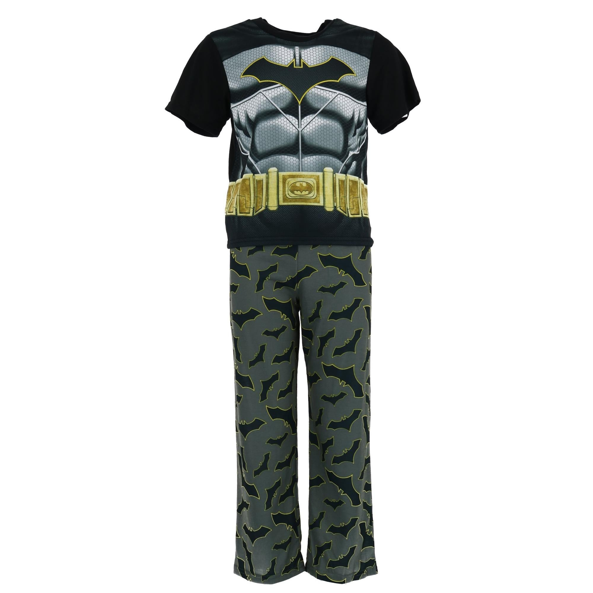 d9195635b0 Shop DC Comics Boy s Batman Pajama Set with Cape - Free Shipping On Orders  Over  45 - Overstock - 23563225