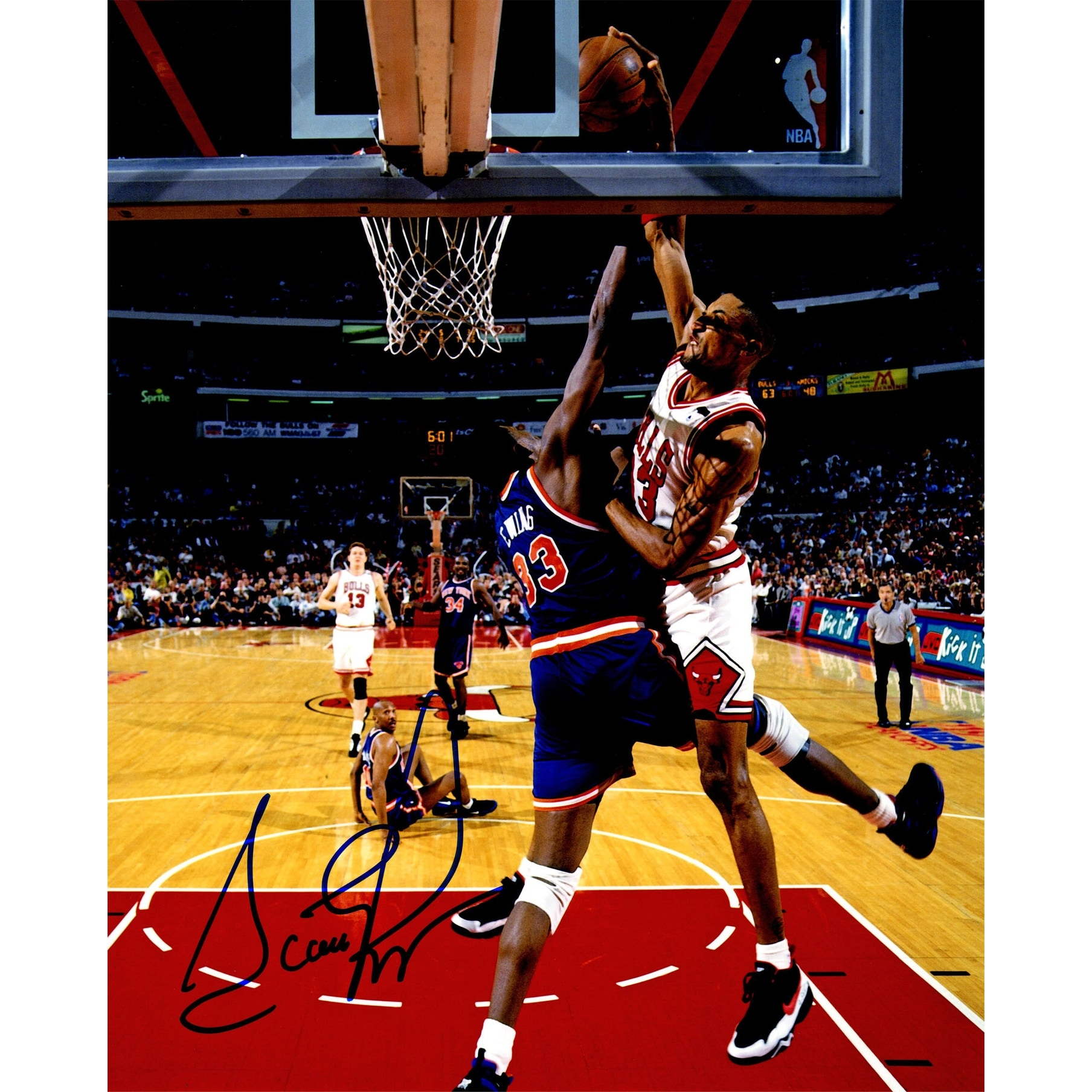 Scottie Pippen Bulls Dunking Over Patrick Ewing Action 8x10 Photo