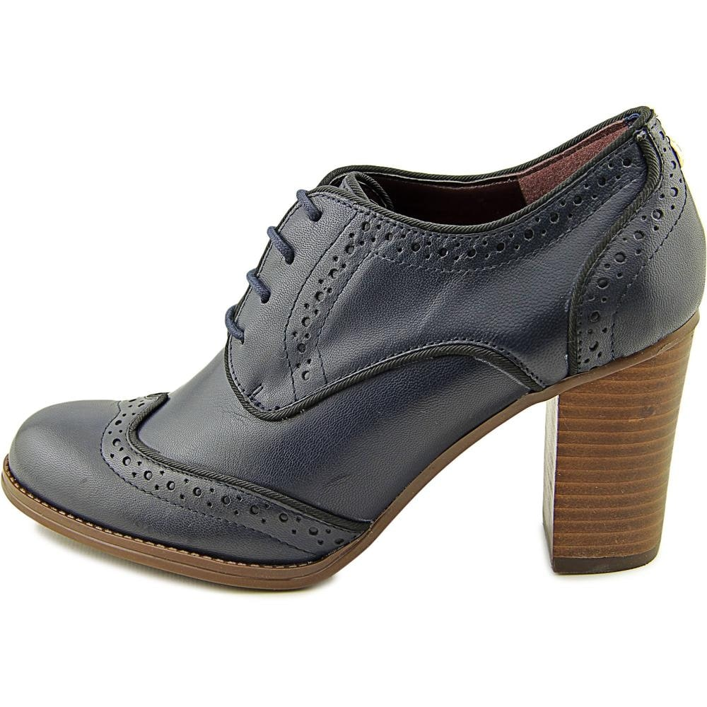 575819f96600 Shop Tommy Hilfiger Fabiole Women Wingtip Toe Leather Blue Oxford - Free  Shipping On Orders Over  45 - Overstock - 13647938