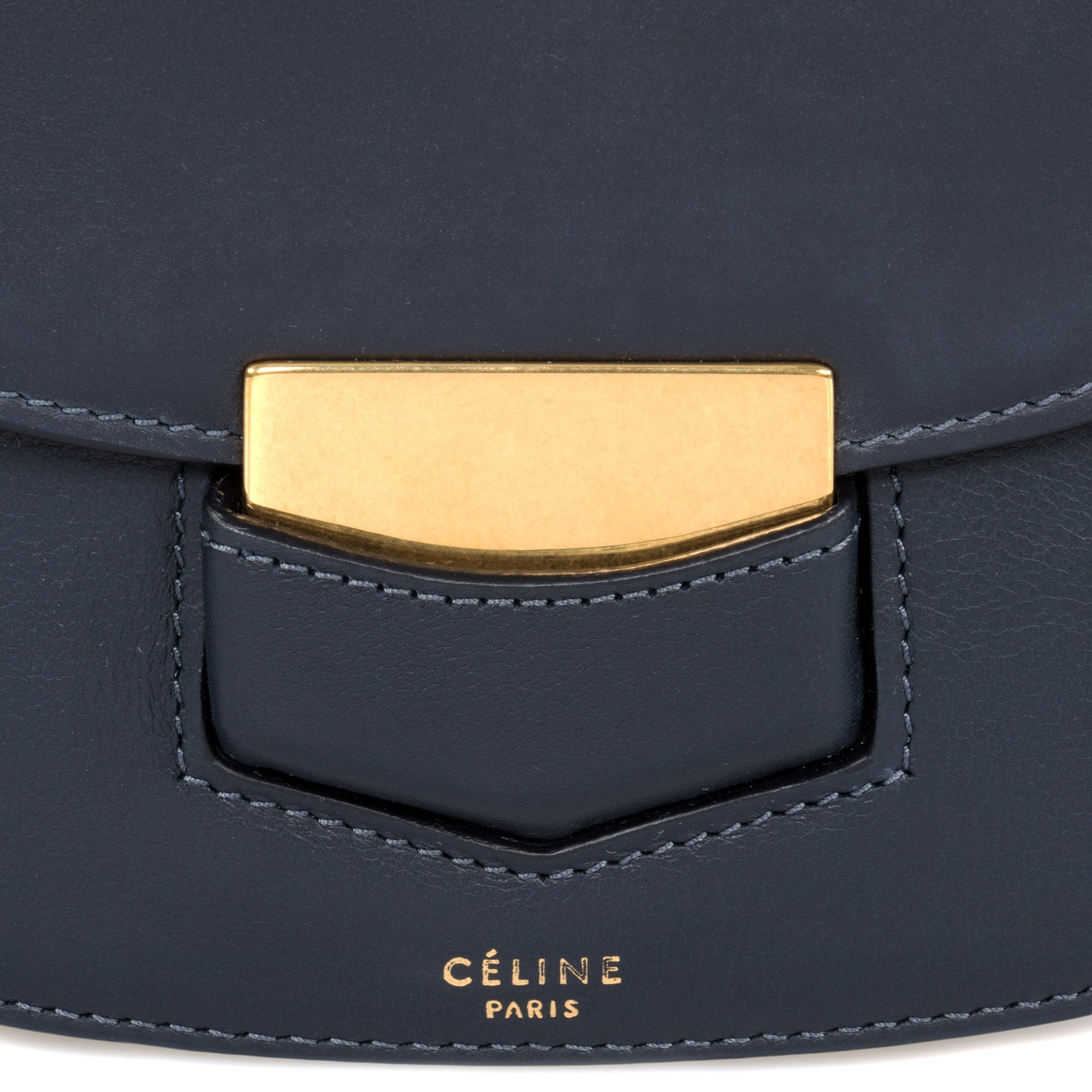 43b922c68 Shop Celine Trotteur Small Navy Blue Leather Crossbody Handbag - Free  Shipping Today - Overstock - 23085452