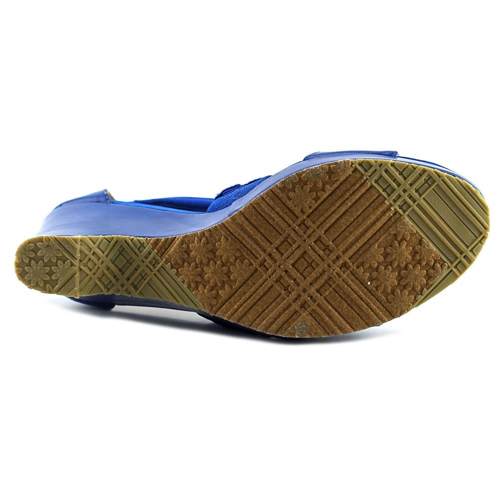 87bbaa8eaebc44 Shop Beacon Alana Women Blue Sandals - Free Shipping On Orders Over  45 -  Overstock.com - 13646349