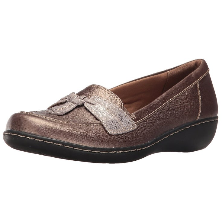 889aa75d6e9 Shop Clarks Womens Ashland Bubble Leather Closed Toe Loafers - Free  Shipping On Orders Over  45 - Overstock - 20742789