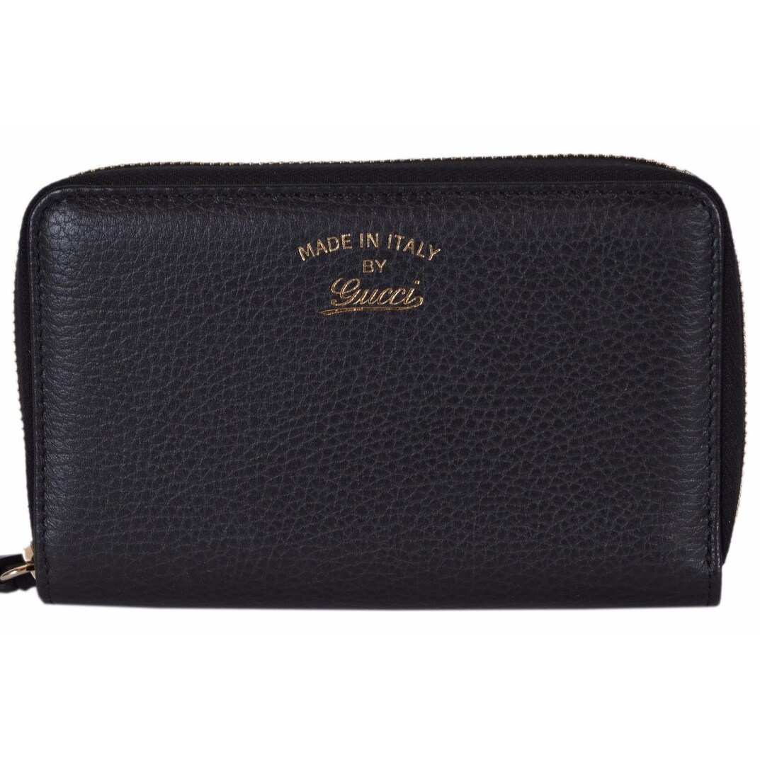 02bb41f4918 Shop Gucci Women s 354497 Black Leather Trademark Logo Swing Zip Around  Wallet - Free Shipping Today - Overstock - 18016729