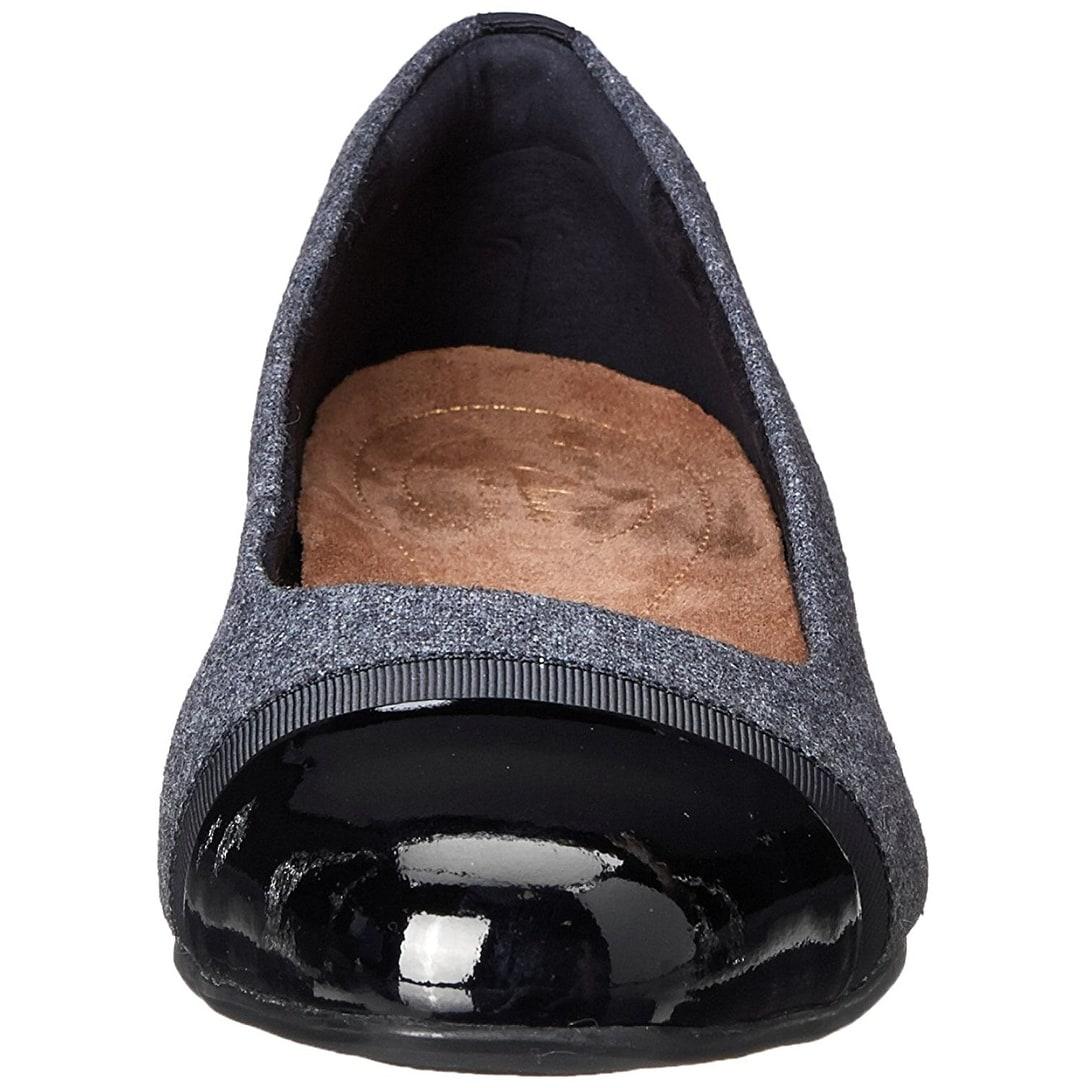 Shop CLARKS Womens Keesha rosa Leather Cap Toe Classic Pumps - Free  Shipping Today - Overstock.com - 21162463 86f3a5b292e