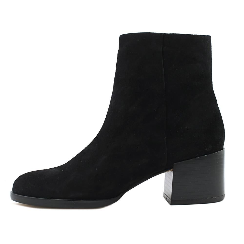 5a47bcda1b73f2 Shop Sam Edelman Joey Women Round Toe Suede Black Ankle Boot - Free  Shipping Today - Overstock - 19868892