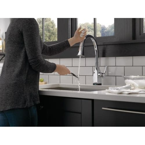 Delta Tdst Mateo Pulldown Kitchen Faucet With Onoff Touch Activation And  Magnetic Docking Spray Head Includes Lifetime Free Shipping Today With Touch  On Off ...