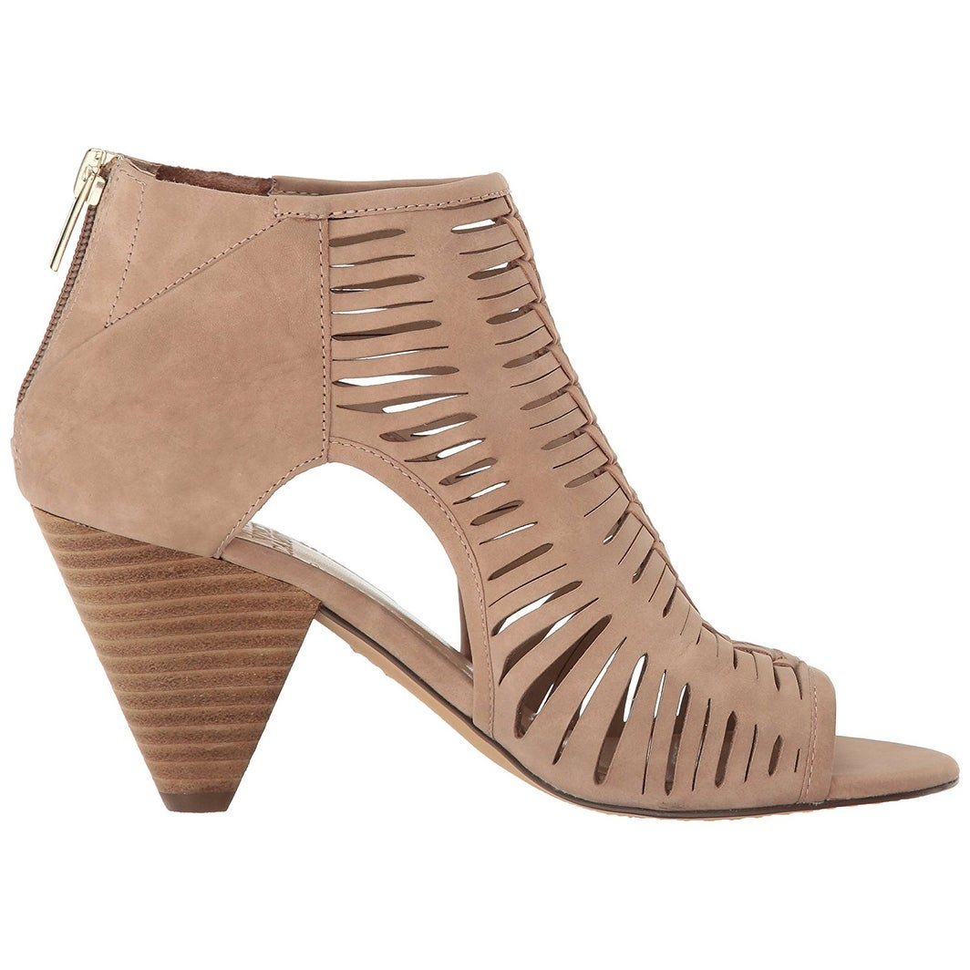 e224255cf930 Shop Vince Camuto Womens Eldora Open Toe Casual Ankle Strap Sandals - Free  Shipping Today - Overstock - 18428038