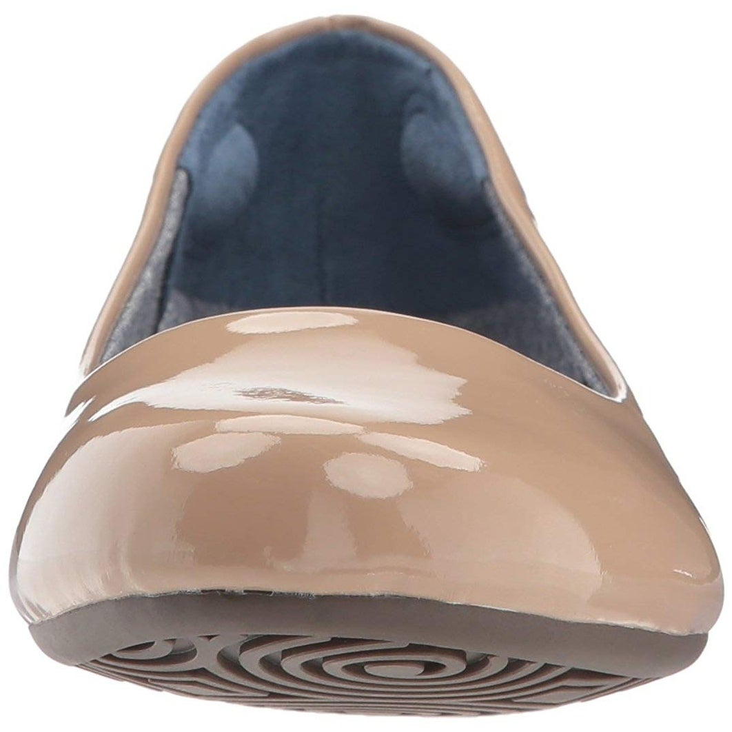 6cb64262382b Shop Dr. Scholl's Shoes Womens Friendly2 Closed Toe Ballet Flats - Free  Shipping On Orders Over $45 - Overstock - 22358413