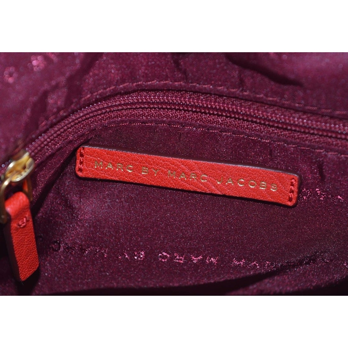 b85b3505b4ec Shop Marc By Marc Jacobs M0004767 Flipping Out RED Leather Crossbody Purse  Bag - 7.25 x 8 x 2 inches - On Sale - Ships To Canada - Overstock.ca -  20916951