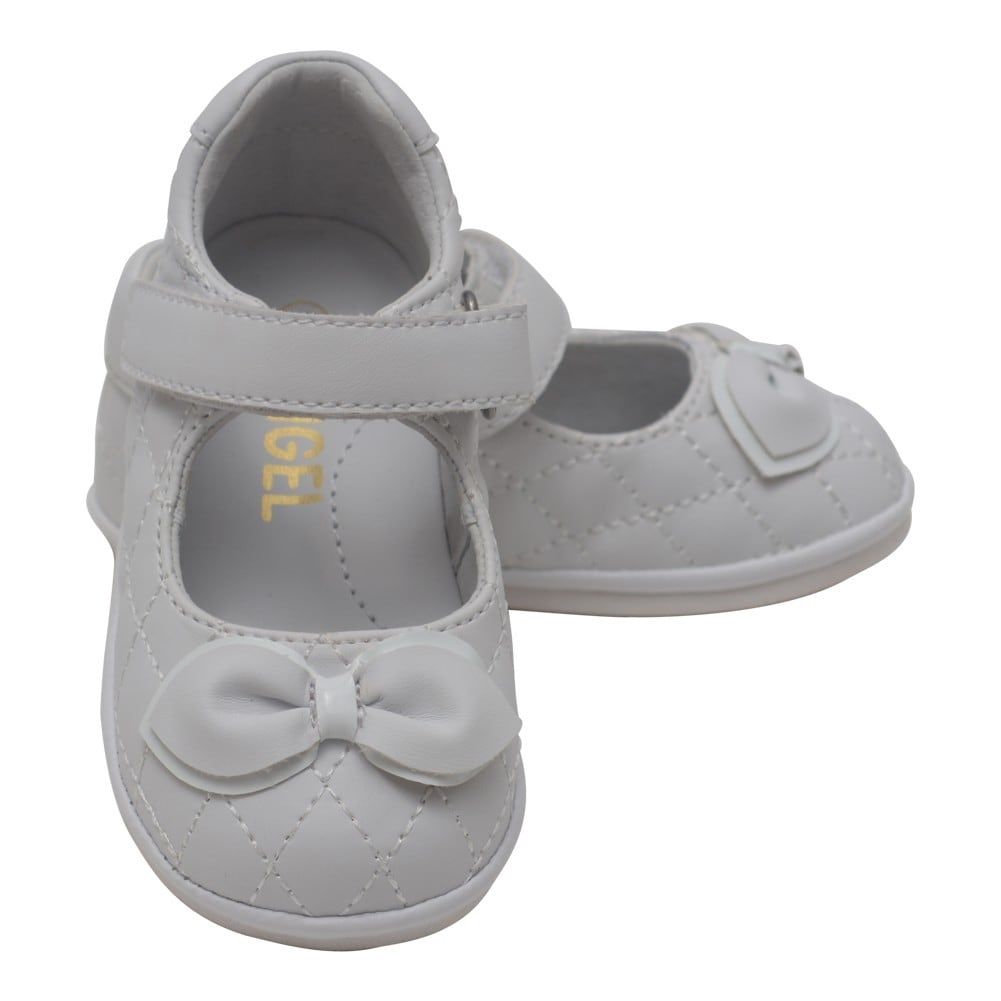 9e9cf5ebab79 Shop Angel Baby Girls White Quilted Strap Bow Mary Jane Shoes 4 Baby-7  Toddler - Free Shipping On Orders Over  45 - Overstock - 25600414