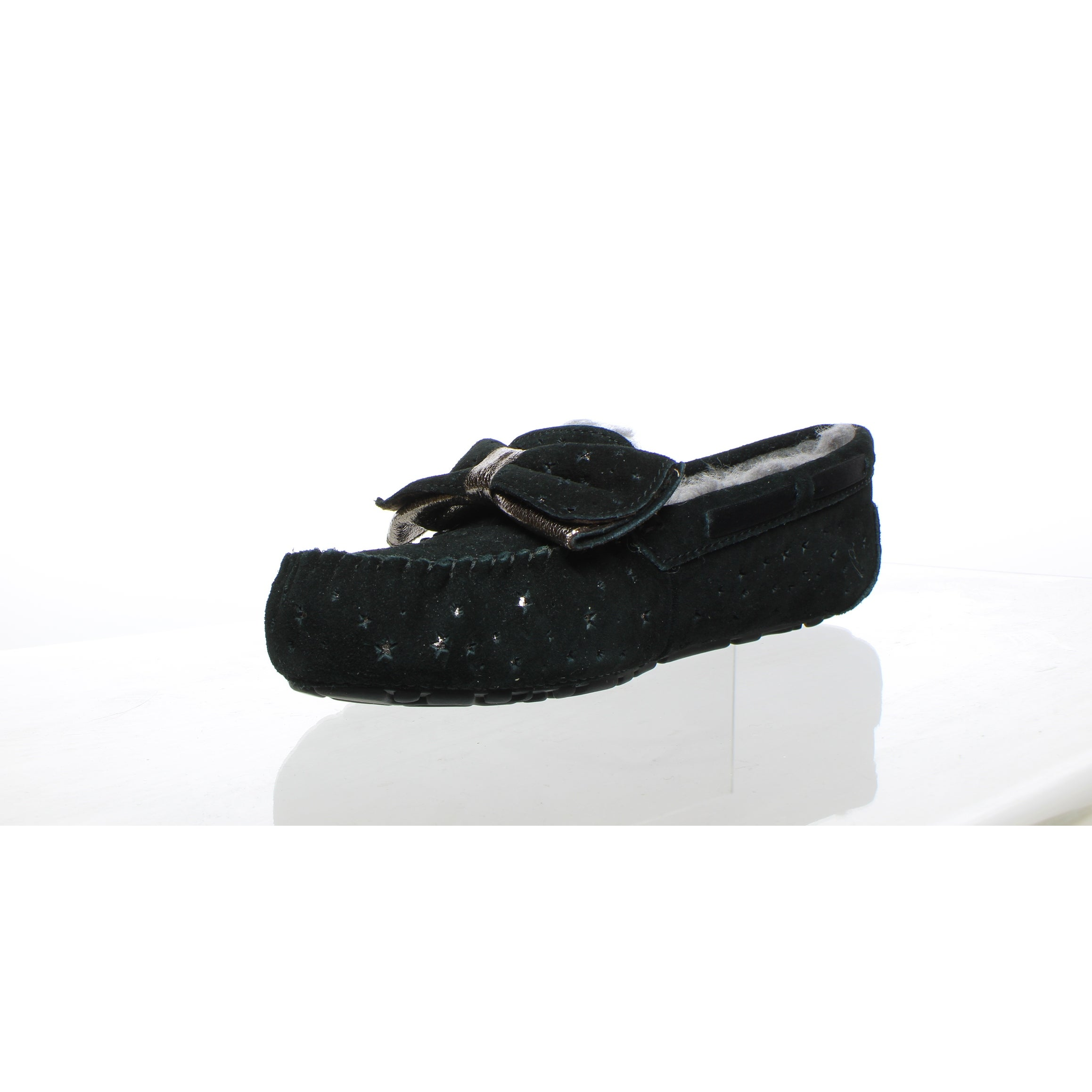 f4075a787e9 UGG Womens Dakota Black Moccasin Slippers Size 8