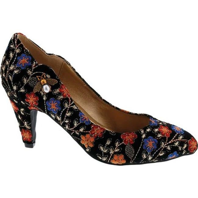 f91963bd1d7d Shop Bellini Women's Bea Embellished Pump Black Embroidered Floral Fabric - Free  Shipping Today - Overstock - 28087271