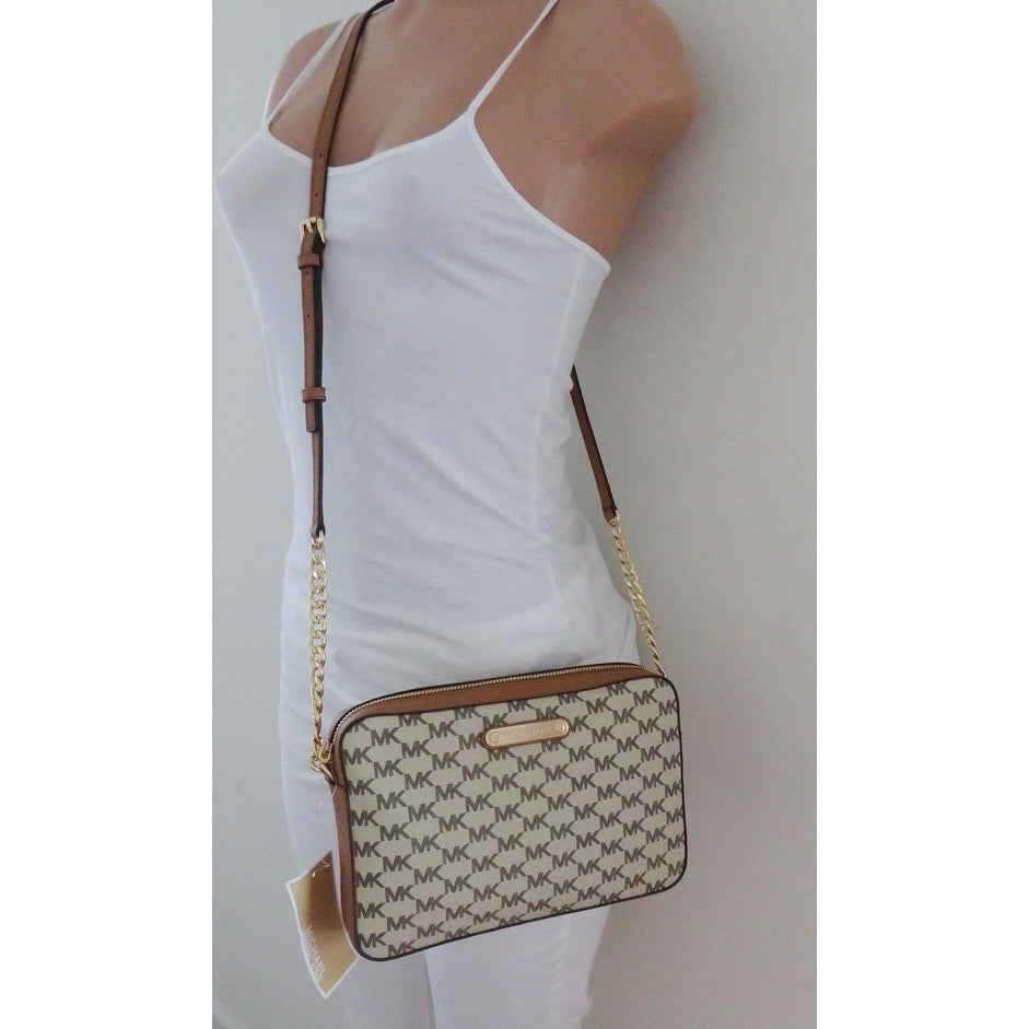 8fcbcd68a20356 Shop Michael Kors Jet Set Item Large East West Crossbody Bag, Natural Acorn  - Free Shipping Today - Overstock - 23563365