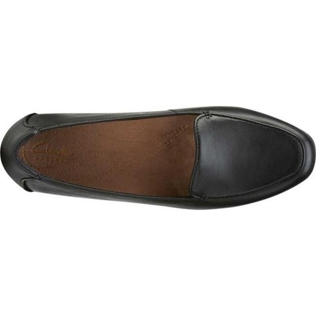 b8964d0ad2f Shop Clarks Women s Keesha Luca Loafer Black Leather - Free Shipping Today  - Overstock.com - 11785199
