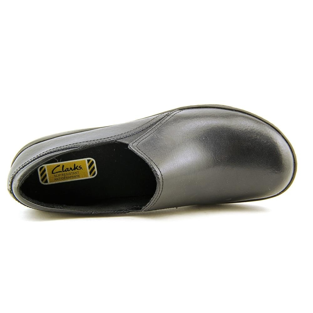 c11c51f4bd7 Shop Clarks Grasp Chime Round Toe Leather Loafer - Free Shipping Today -  Overstock - 13926093