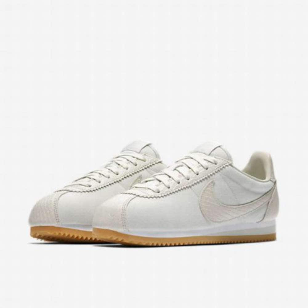 c271c183412 Shop Nike Womens Classic Cortez Se Low Top Lace Up Running Sneaker ...