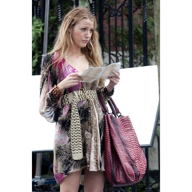 Blake Lively On Location Film Shoot For Gossip Upper West Side New York Ny July 14 2010 Photo By Leeeverett Col Free Shipping