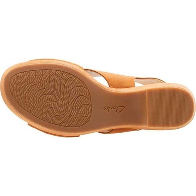 e778dcc94b69 Shop Clarks Women s Maritsa Lara Platform Sandal Tan Suede - Free Shipping  Today - Overstock - 20592451