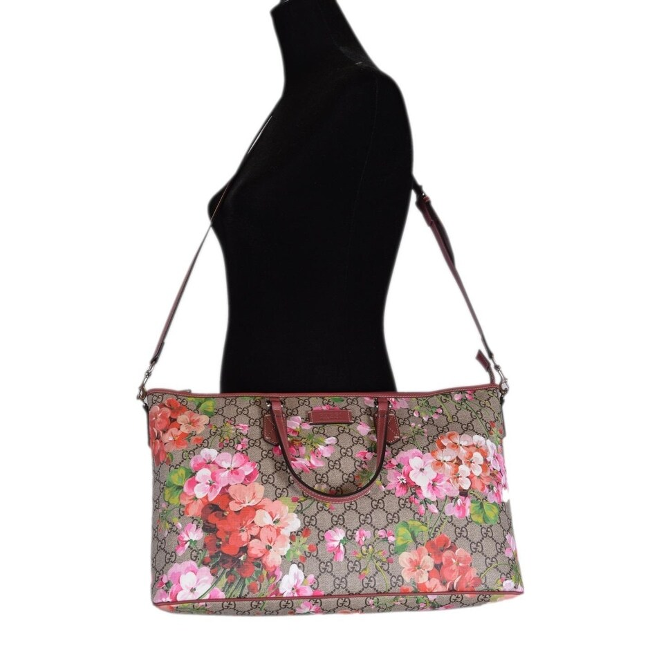 09fa689d52eb Shop Gucci 410478 GG Supreme Canvas Pink Floral Blooms Convertible Purse  Handbag - Multi - Free Shipping Today - Overstock - 22816869