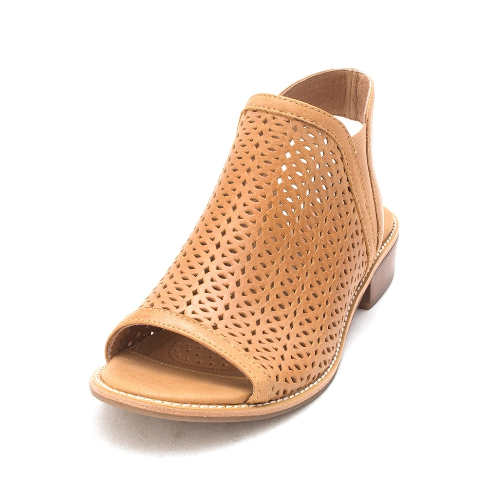 28ae73b23cce Shop Sofft Womens NALDA Leather Open Toe Casual Slide Sandals - Free  Shipping Today - Overstock - 21811948