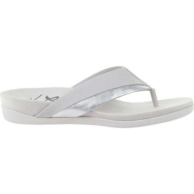 338d661685c3 Shop OTBT Women s Emmeth Thong Sandal Silver Leather - Free Shipping Today  - Overstock - 27358211