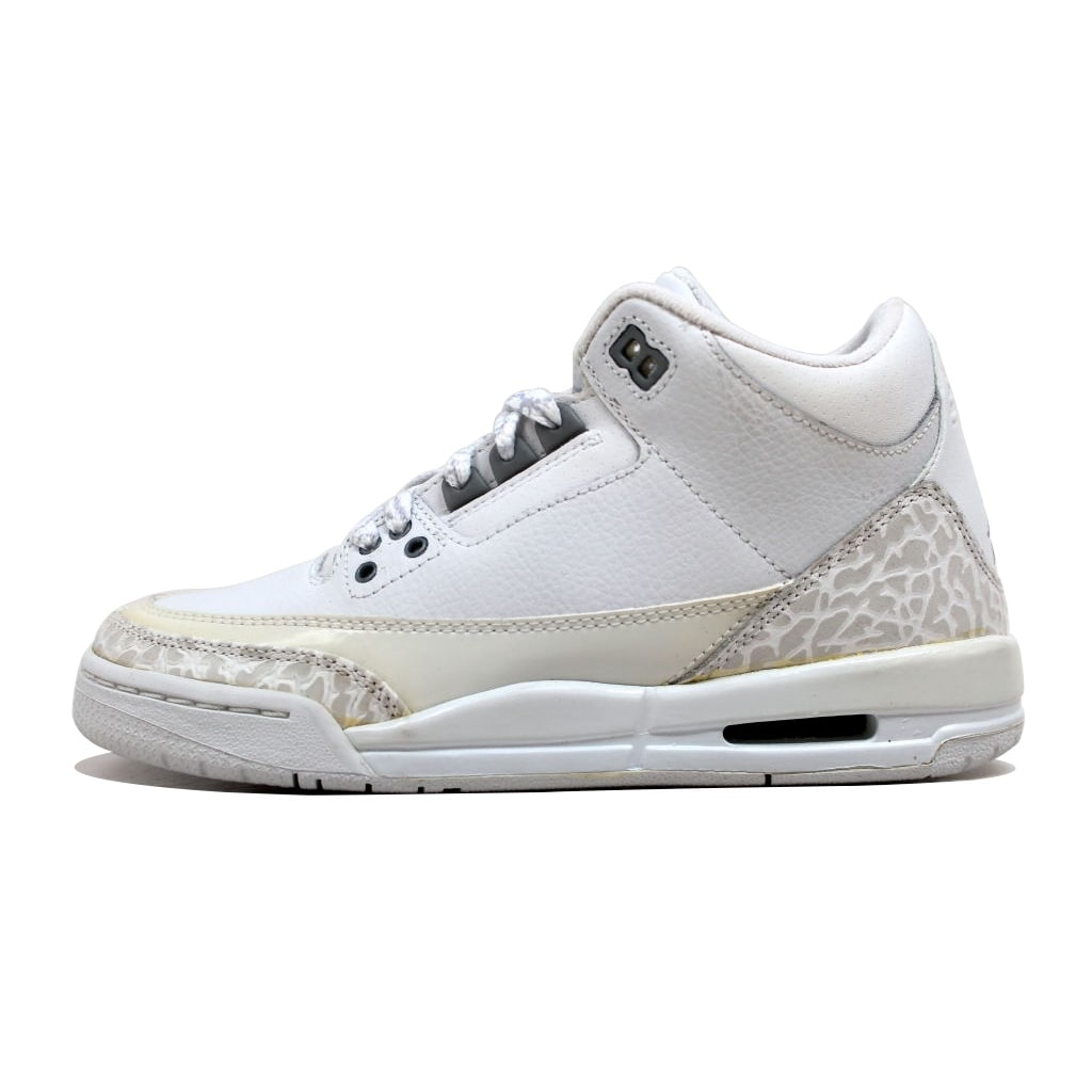 outlet store feb95 a7b53 Shop Nike Grade-School Air Jordan III 3 Retro White Metallic Silver Pure  Money 834014-103 Size 4.5Y - Free Shipping Today - Overstock - 20129967