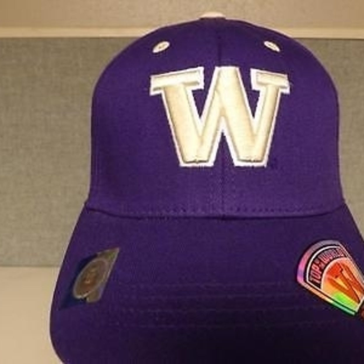 062df76f Washington Huskies Kids Youth Size 6 1/2 to 6 7/8 Fitted Cap Hat