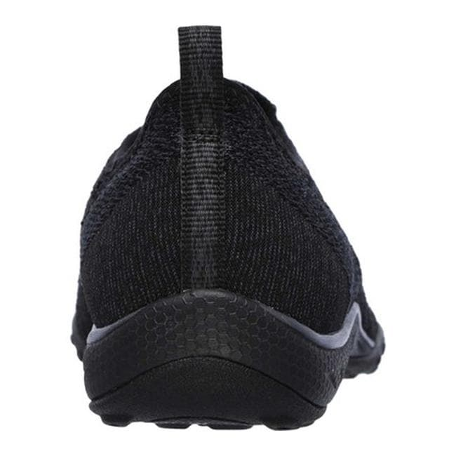 Shop Skechers Women s Relaxed Fit Breathe Easy Fortune-Knit Slip-On Black -  On Sale - Free Shipping Today - Overstock - 13396150 0aa0eb2f97