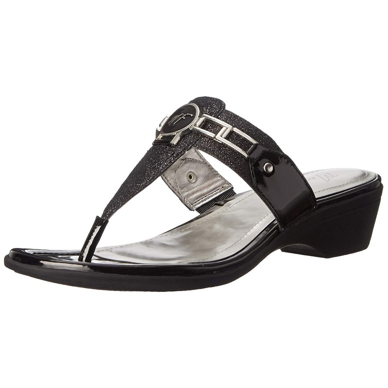 8fea236bd748 Shop Marc Fisher Womens Amina Split Toe Casual Slide Sandals - Free  Shipping On Orders Over  45 - Overstock - 25449122
