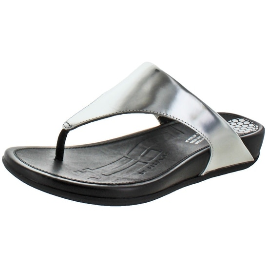 b62f0f7c761a Shop FitFlop Banda Women s Leather Toning Thong Sandals - Free Shipping On  Orders Over  45 - Overstock.com - 15948228