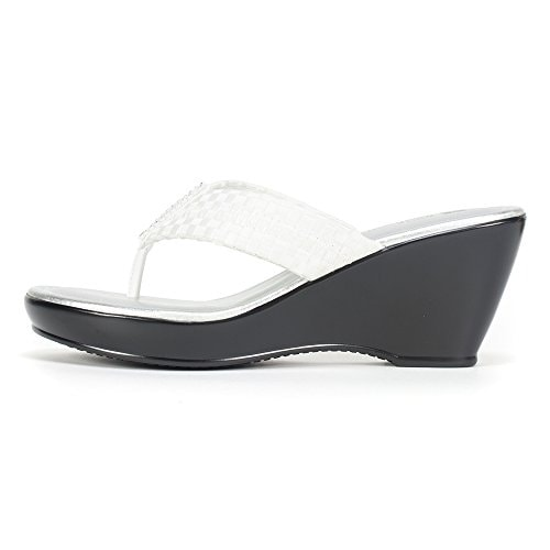 8a4de54751a1af Shop White Mountain Womens WISHLIST Split Toe Casual Platform Sandals -  Free Shipping On Orders Over  45 - Overstock - 14537917