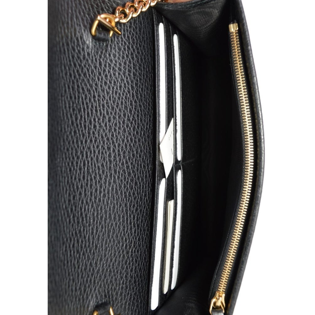 287ae26f7 Shop Gucci Women's Black Leather GG Marmont Mini Chain Crossbody Purse Bag  - Free Shipping Today - Overstock - 25659845