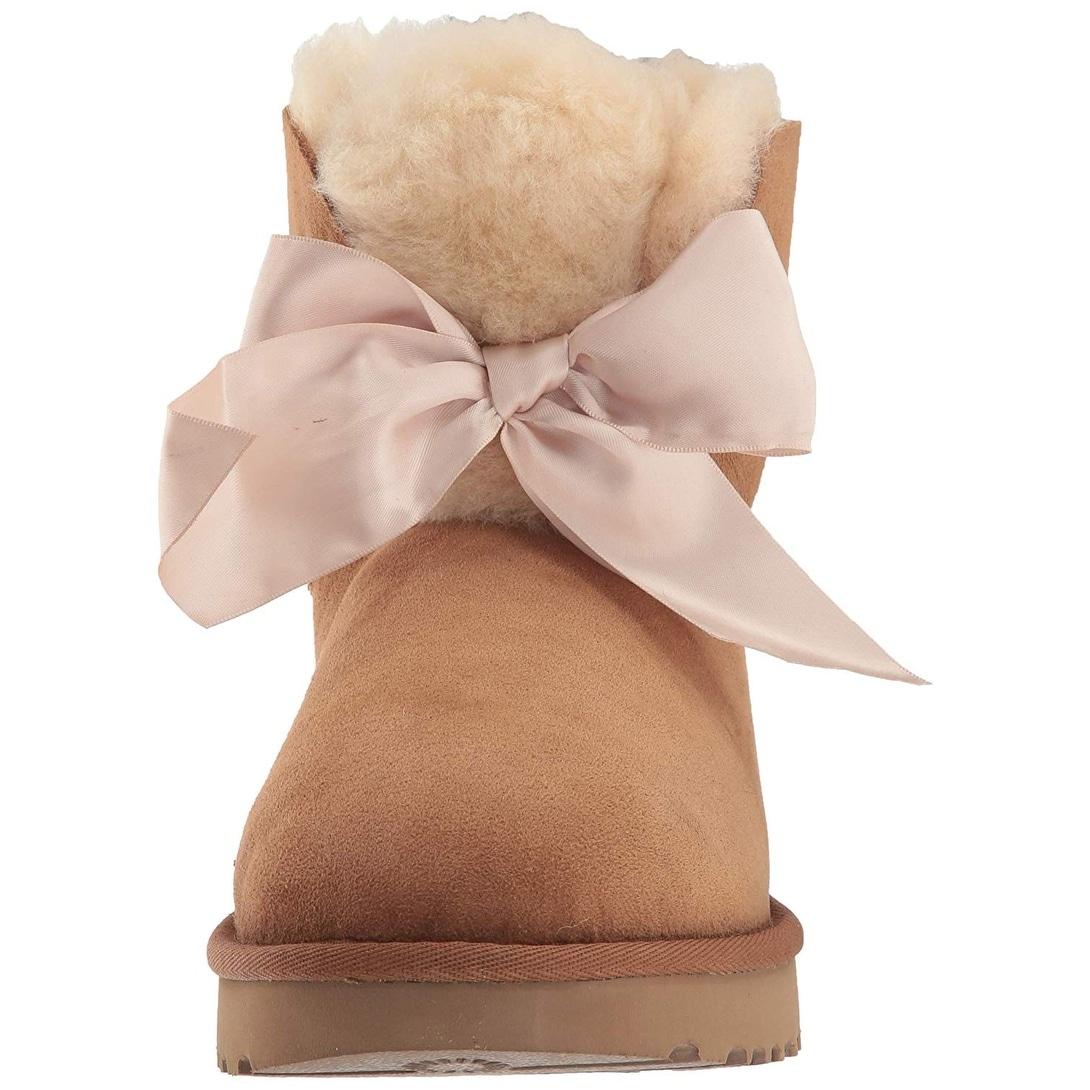 c82a2795208 UGG Women's W Gita Bow Mini Fashion Boot