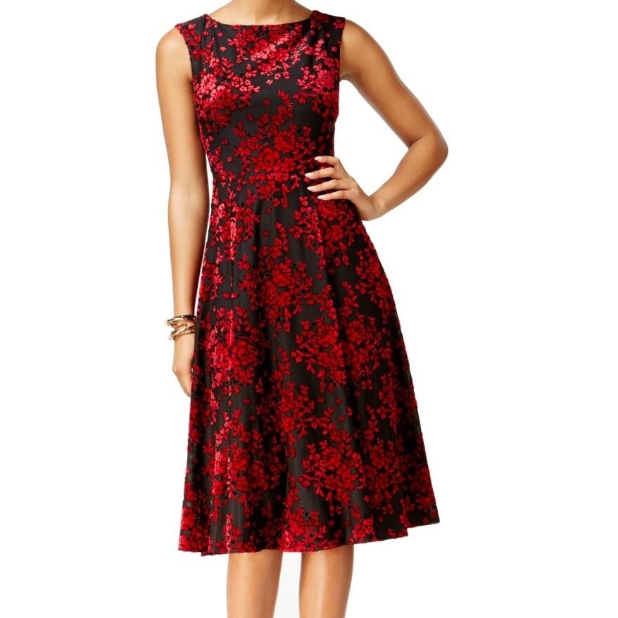 af286dd8 Shop Betsey Johnson NEW Red Black Velvet Burnout Women's 2 Sheath Dress -  Free Shipping On Orders Over $45 - Overstock - 18409427