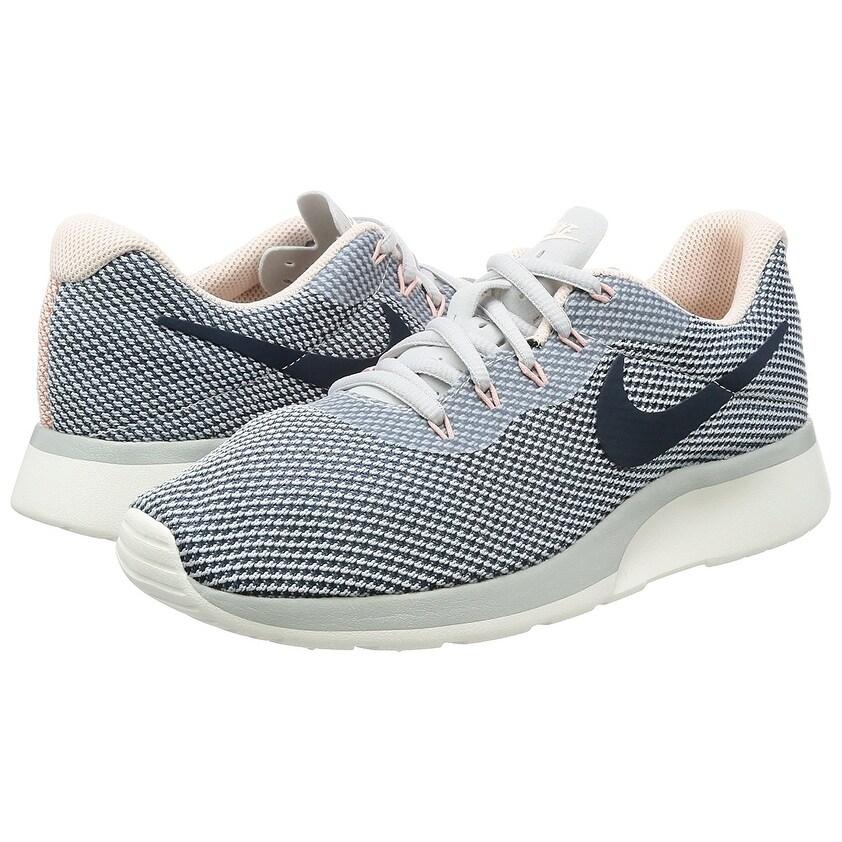 Amazon Com Nike Womens Roshe One Running Shoes 5 Bm Uswhite 8379b694f