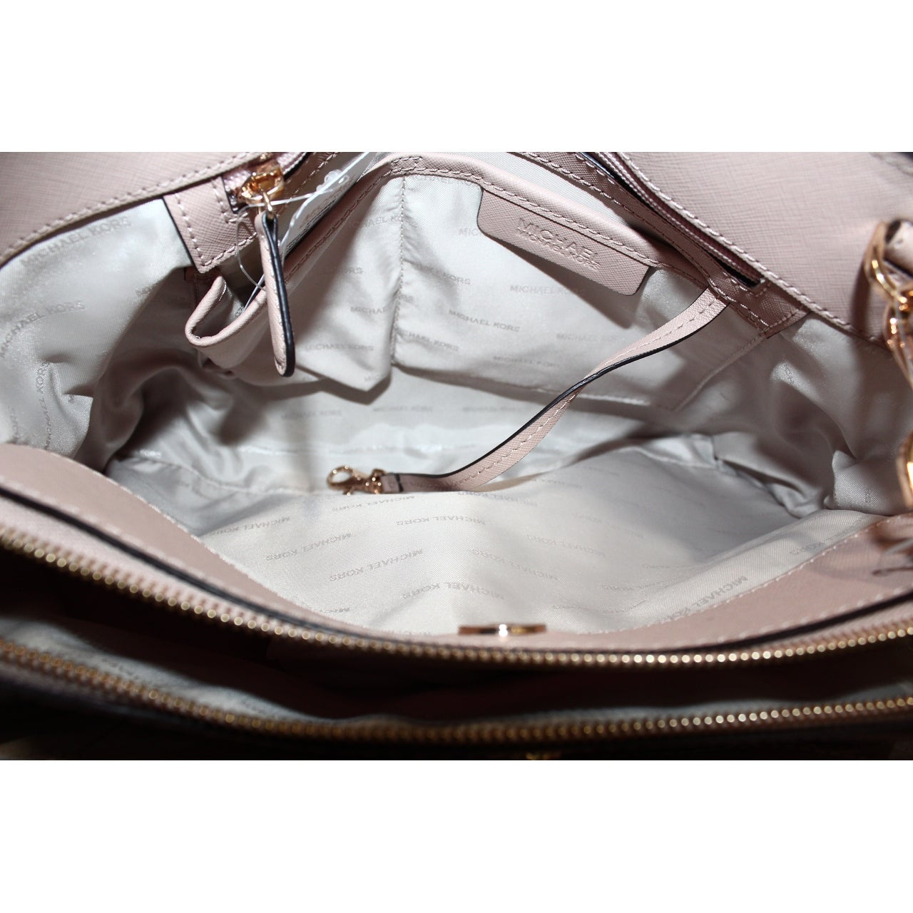 8a940f02eb559e Shop Michael Kors NEW Beige Oyster Saffiano Savannah Large Satchel Bag Purse  - Free Shipping Today - Overstock - 19999612