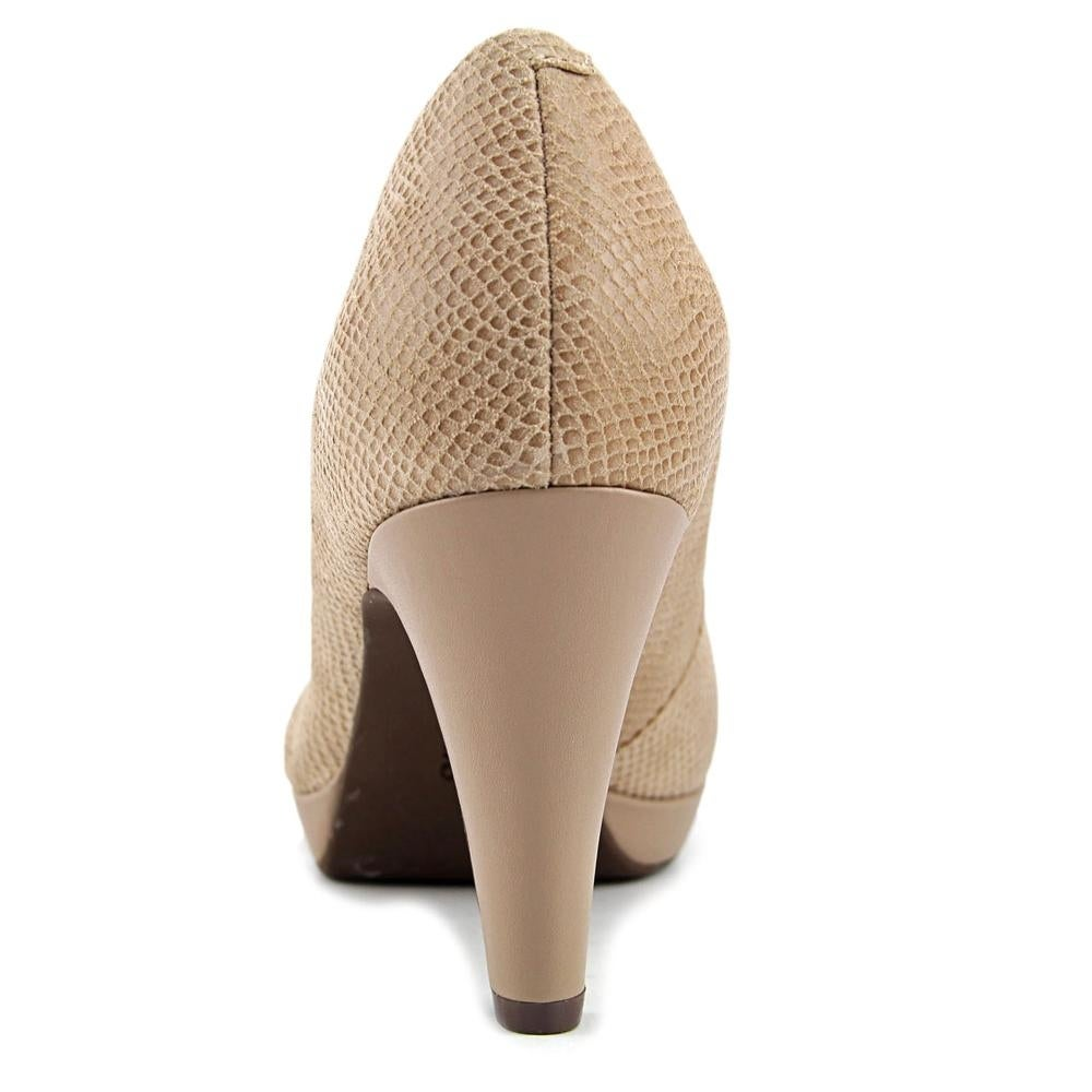 c8b1157abf5 Shop Clarks Brier Dolly Women Sand Pumps - Free Shipping On Orders Over  45  - Overstock - 16390488