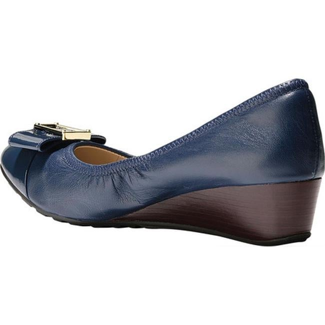 6b99a6cc25 Shop Cole Haan Women's Emory 40mm Bow Wedge II Pump Marine Blue Leather -  Free Shipping Today - Overstock - 20605719