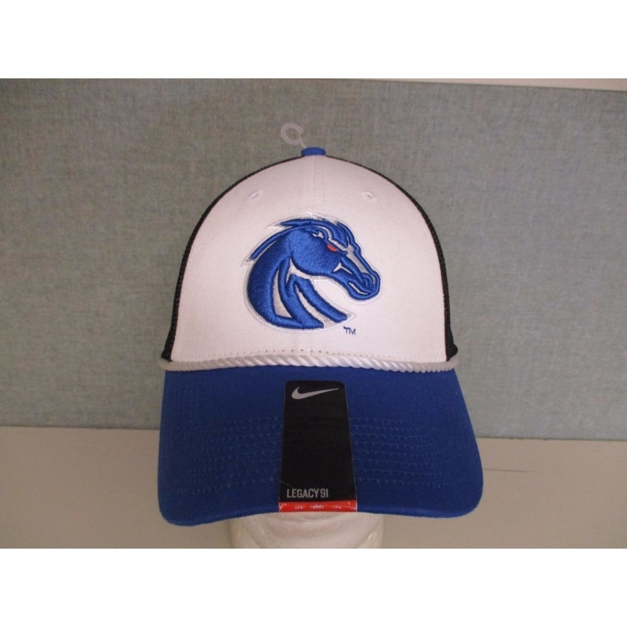 270ebbc3f06 Shop Boise State Broncos Adult Mens Size Osfa Nike Flex Fit Cap Hat - Free  Shipping On Orders Over  45 - Overstock.com - 23075078